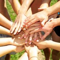 Symbolbild Hände / Gemeinsamkeit